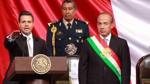 Felipe Calderón, el día en que entregó a banda presidencial a Enrique Peña Nieto.