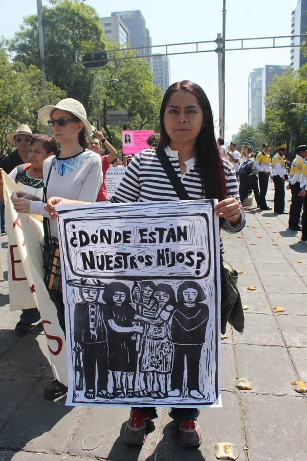 """El obispo Raúl Vera en la """"IV Marcha de la Dignidad Nacional: Madres buscando a sus hijos e hijas"""".. Foto: Alfredo López Casanova"""