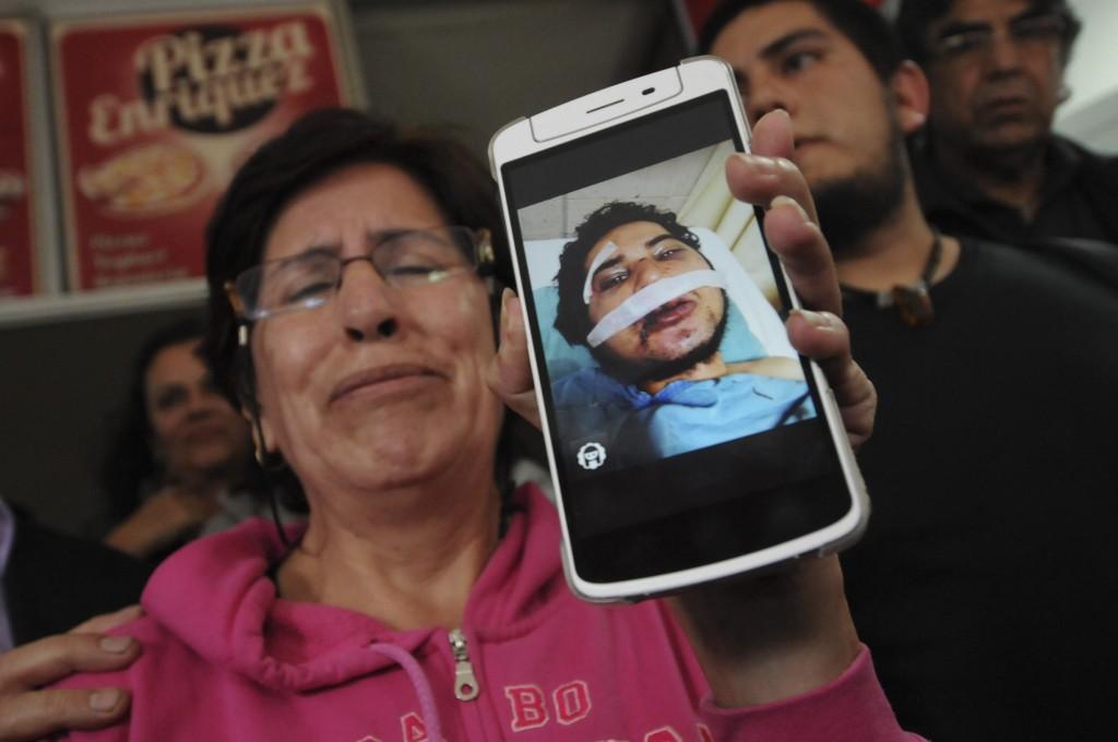 Madre de uno de los estudiantes golpeados en Xalapa Veracruz. Foto: Rubén Espinosa/Agencia Cuartoscuro