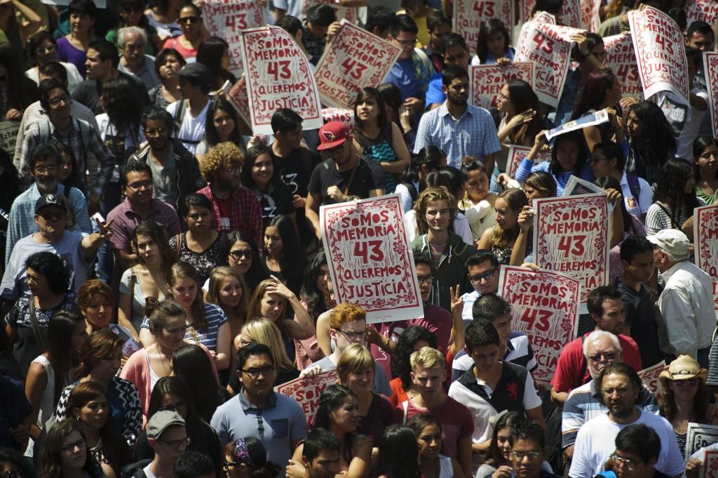 Manifestación por Ayotzinapa en Guadalajara. Foto: Jorge Alberto Mendoza/Flickr