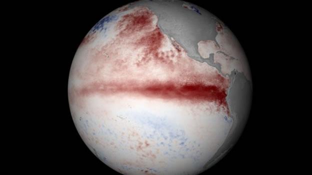 Imagen del Pacífico en la que se observa la línea roja del calentamiento del agua. Foto: CNN