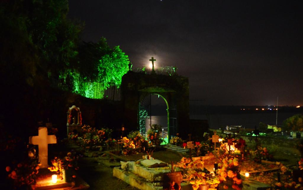 Cementerio en Janitzio. Foto: Antonio MaloMalverde/Flickr