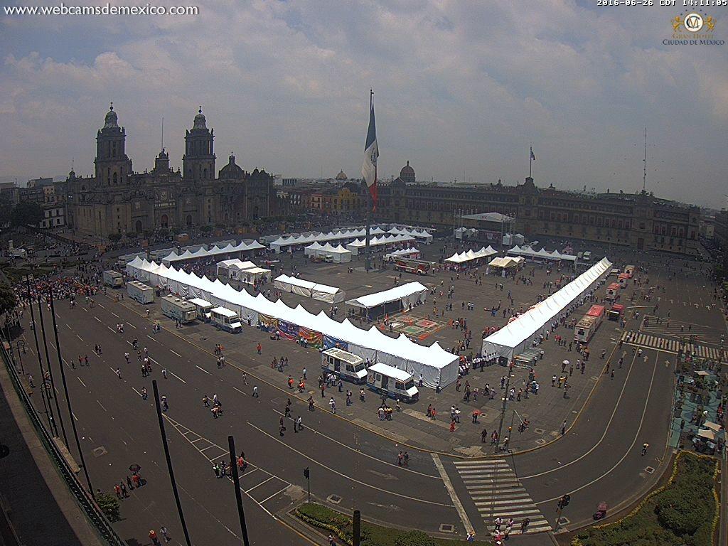 Así lució el Zócalo de la Ciudad de México durante la marcha en solidaridad con los maestros convocada por Morena. Foto: Webcams México