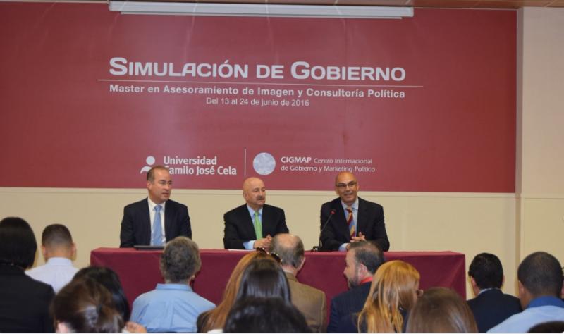 Carlos Salinas durante la conferencia en Madrid. Foto: @masterpolitica/twitter