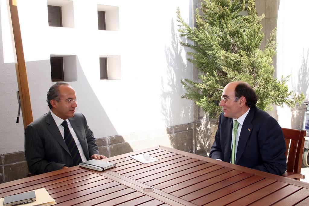 Felipe Calderón recibió en 2009 a José Ignacio Sánchez Galán, director general de Iberdrola, en la Residencia Oficial de los Pinos. Foto: Gobierno de la República/Flickr