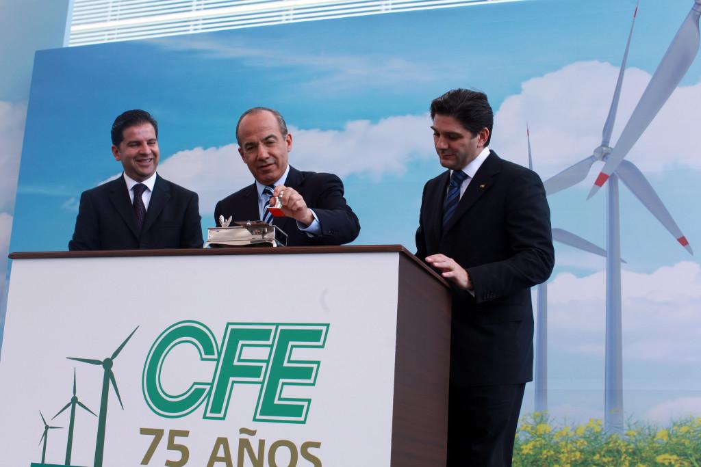 Felipe Calderón en el anuncio de una planta generadora de energía eólica en Oaxaca. Foto: Gobierno de la República/Flickr