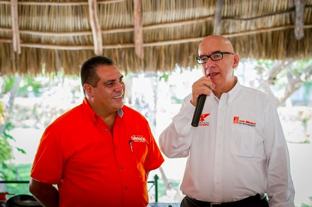 El alcalde de Puerto Vallarta, Arturo Dávalos, junto al líder de Movimiento Ciudadano, Dante Delgado.