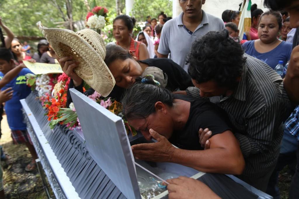 Funeral del niño Hildeberto Reyes García. Foto: Vice.com