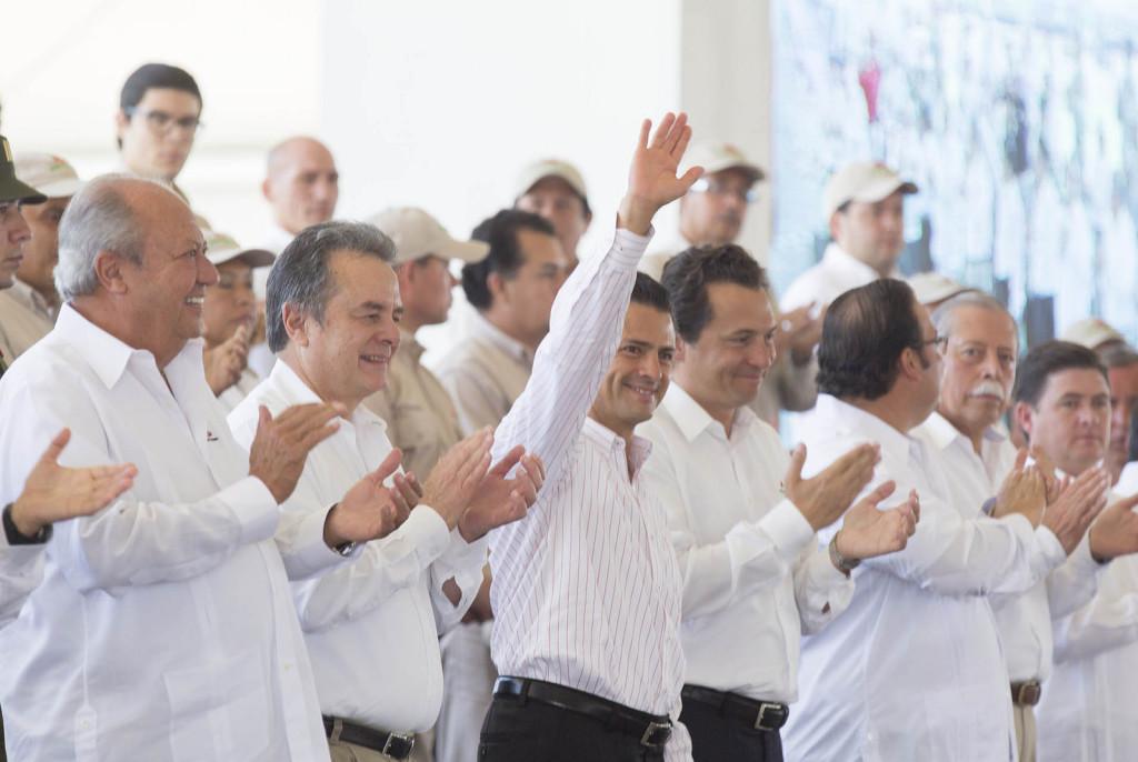 Peña Nieto en la Ceremonia Conmemorativa al 76º Aniversario de la Expropiación Petrolera. Foto: Especial