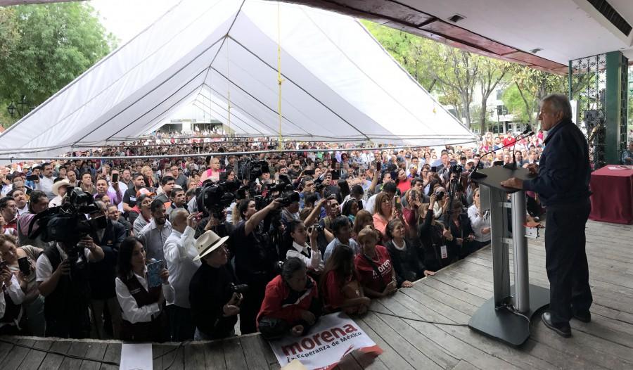AMLO en el mitin realizado en Monterrey donde se firmó el Acuerdo de unidad. Foto: Especial