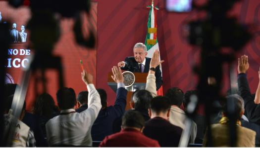 """AMLO, los medios y la prensa """"pura"""" (y la golpista)"""